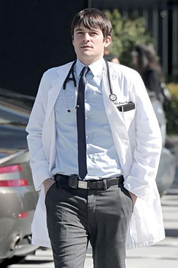 GoodDoctor_OnSet021010_01.jpg