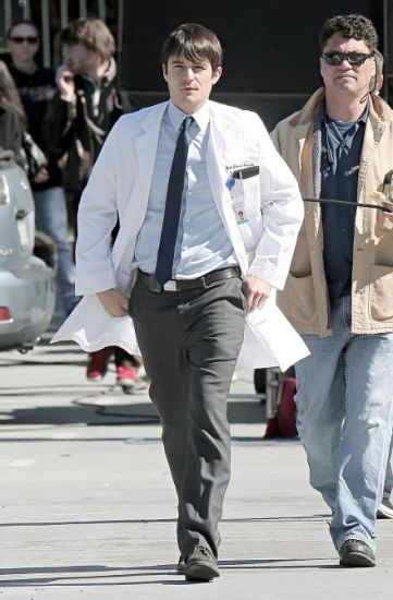 GoodDoctor_OnSet021010_03.jpg