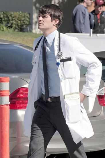 GoodDoctor_OnSet021010_04.jpg