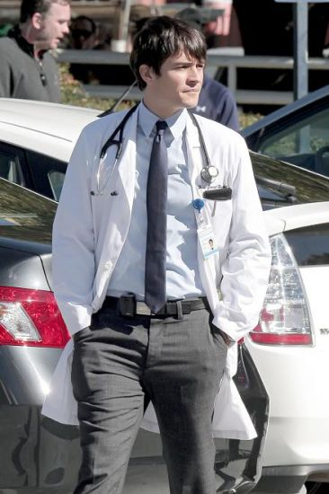 GoodDoctor_OnSet021010_05.jpg