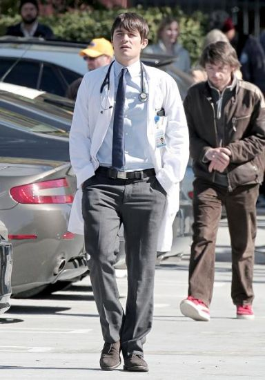 GoodDoctor_OnSet021010_08.jpg