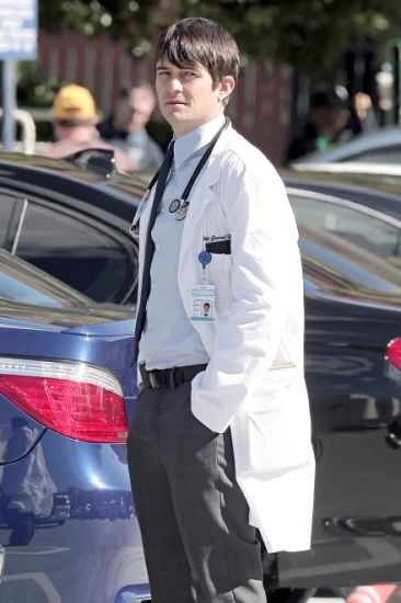 GoodDoctor_OnSet021010_10.jpg