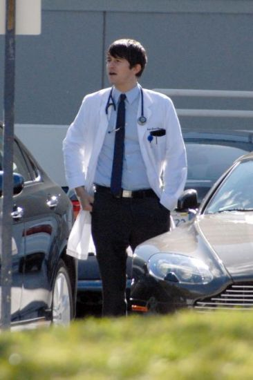 GoodDoctor_OnSet021010_16.jpg