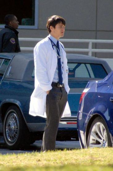 GoodDoctor_OnSet021010_26.jpg